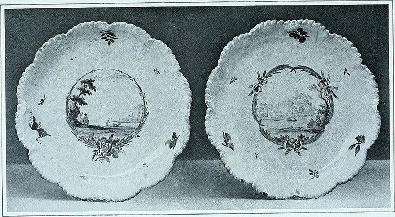 Two Sceaux faience plates (F. Duvivier)