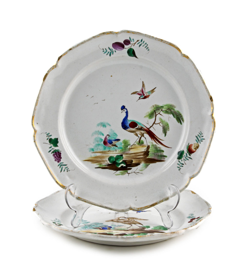 Identifying Duvivier's birds on two Sceaux faience plates
